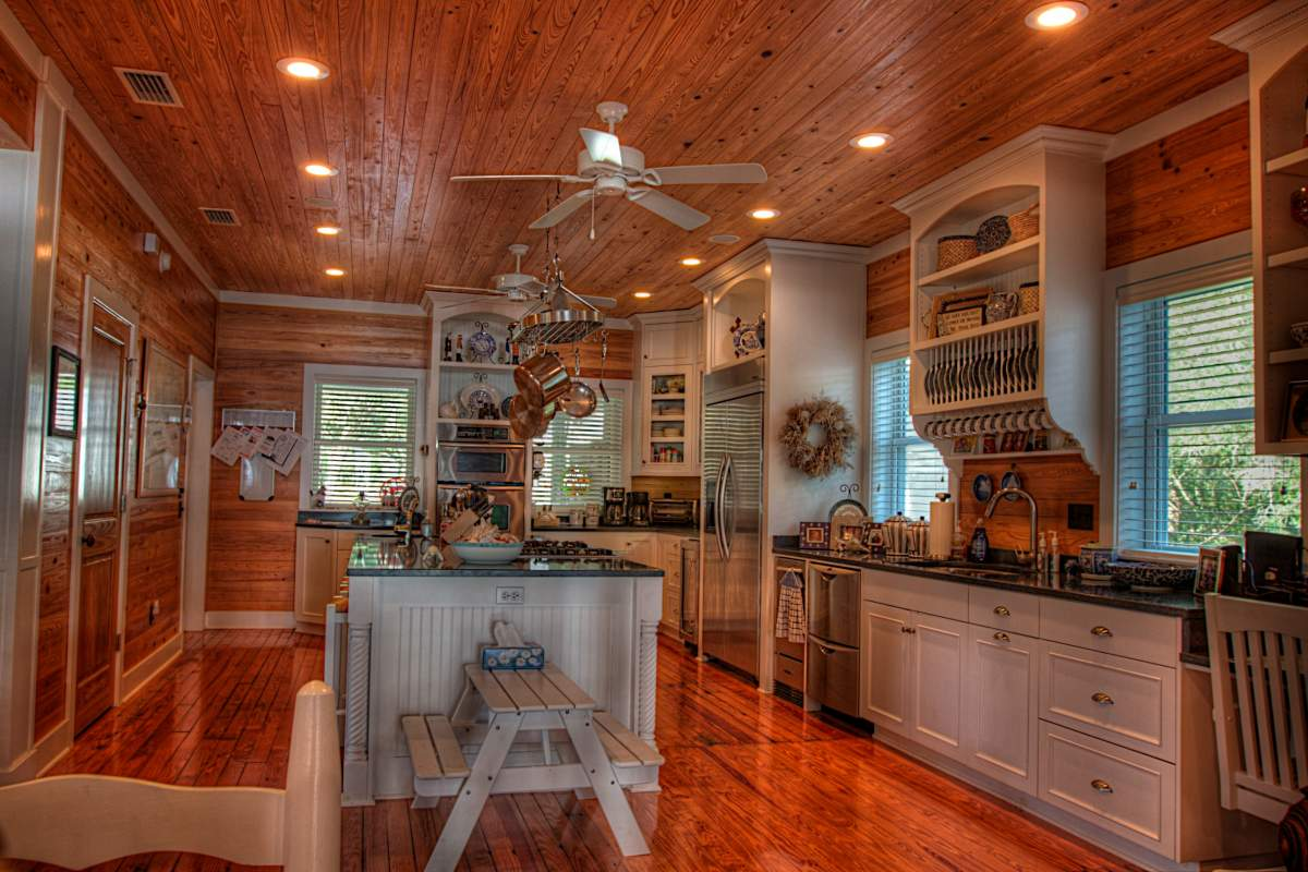Click image for larger version.  Name:kitchen.jpg Views:2599 Size:130.7 KB ID:58099